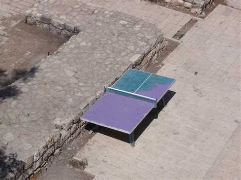 purple ping pong table file purple and blue table tennis table jpg wikimedia