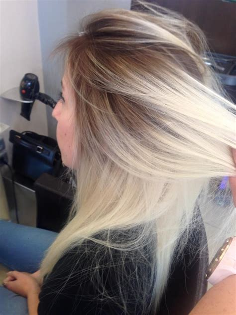 how to blend hair roots 1000 ideas about blonde dark roots on pinterest dark