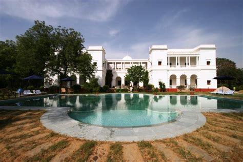 Nawab Saif Ali Khan's Pataudi Palace worth Rs 750 Crore ...
