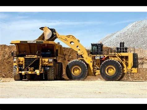 heavy construction  caterpillar  biggest wheel loader construction