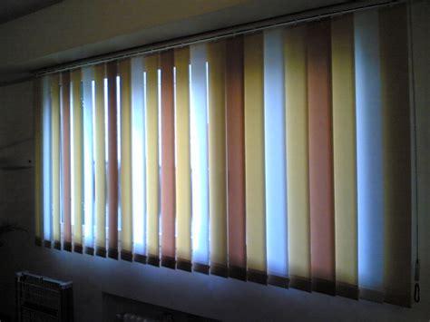 marche tende da ceggio foto tenda a bande verticali in 3 colori alternati de