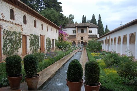 Alhambra Generalife Gardens at Granada    Low Bandwidth