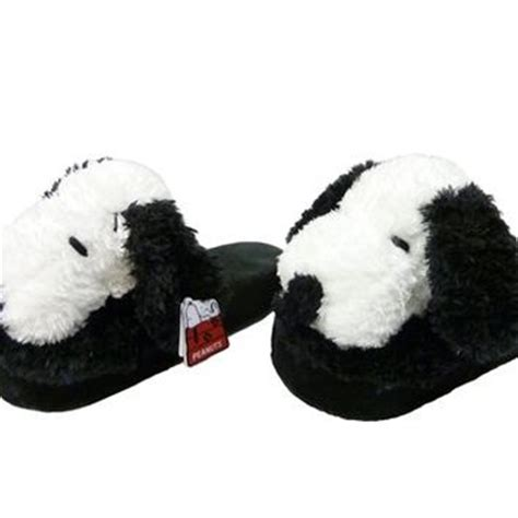 snoopy slippers plush snoopy plush slippers peanuts snoopy from knotts