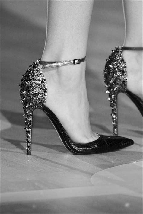 Simple Styles For Ladies