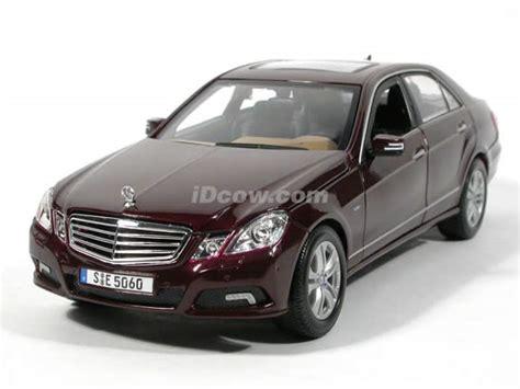 Mercedes E Class Coupe Diecast Miniatur 2010 mercedes e class diecast model car 1 18 scale die cast by maisto maroon
