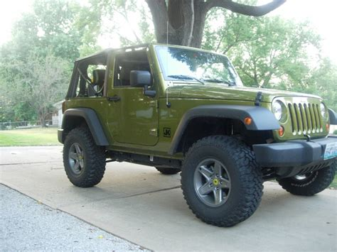 Regearing Jeep Jk 2 5 Quot Lift And 33 S W Stock Wheels
