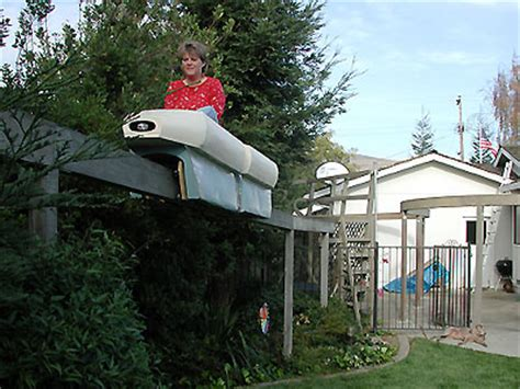backyard monorail the niles monorail theme park review