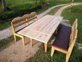 Pallet Patio Table by Diy Pallet Dining Table With Benches 101 Pallets