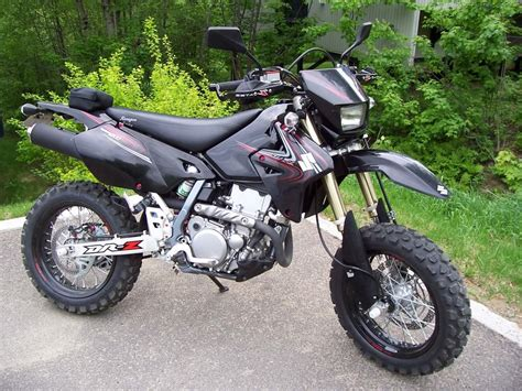 Suzuki Drz 400 Specs 2005 Suzuki Dr Z 400 S Pics Specs And Information