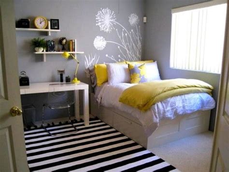 small double bedrooms 25 best ideas about small desk bedroom on pinterest