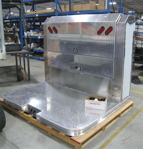 Enclosed Headache Rack by Enclosed Headache Rack Cabinet Truckersreport