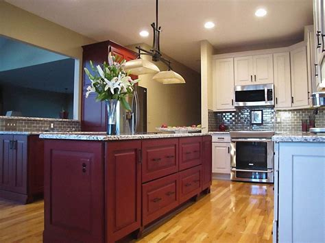 Raised Kitchen Cabinets by Raised Panel Cabinets Bring Elegance To Your Kitchen Space