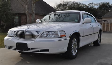 lincoln town car 2009 2009 lincoln town car photos informations articles