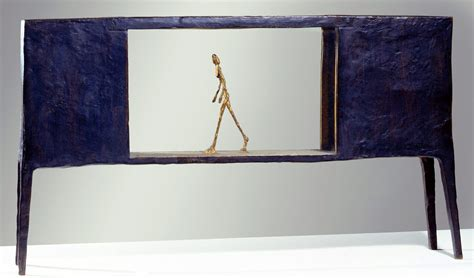 figure in box alberto giacometti figurine dans une bo 238 te entre deux
