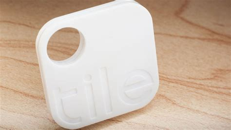 Tile Bluetooth Item Finder Tile Tracker With Ios App Helps You Find Lost Belongings