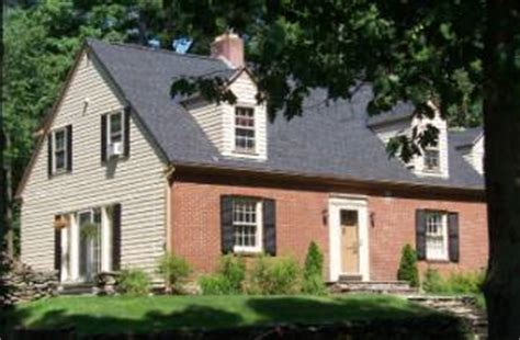 Cape Code Fassade by Cape Cod Revival Colonial Revival Architectural Styles
