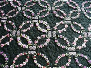 wedding ring quilts addicted to quilts wedding ring on black