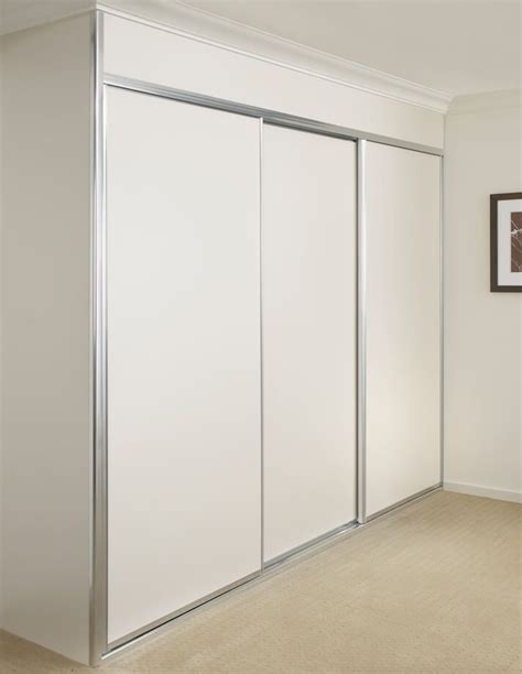 Built In Sliding Wardrobes by 17 Best Ideas About Sliding Mirror Wardrobe On Mirrored Wardrobe Doors Mirrored