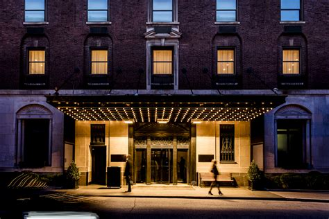 best hotel for chicago lights festival shopping in chicago chicago shopping the magnificent mile
