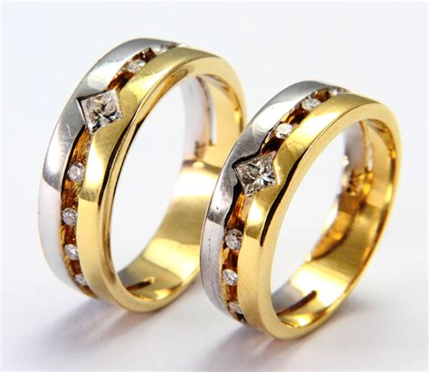 wedding rings from white and yellow gold ipunya