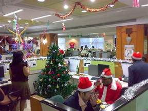 Christmas Decorating Themes marvelous outstanding christmas decorations ideas for office with