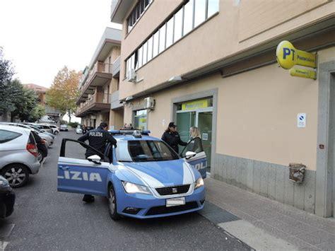 ufficio postale frascati frascati la polizia denuncia madre e figlia con assegni