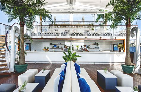 seadeck boat brisbane a totally luxe party boat is coming to brisbane