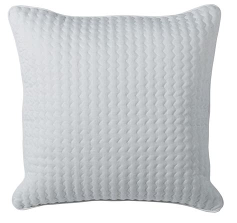 housse de coussin 65x65 17 best images about inspiration scandinave on satin origami and vase