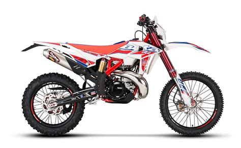 2018 beta race edition 2018 beta 300rr race edition 2 stroke review totalmotorcycle