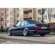 Stanced BMW 525i E34