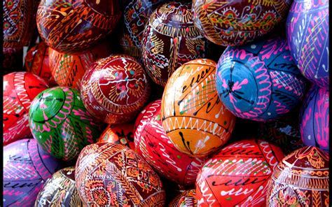 colorful easter wallpaper colorful easter eggs beautiful easter eggs wallpapers