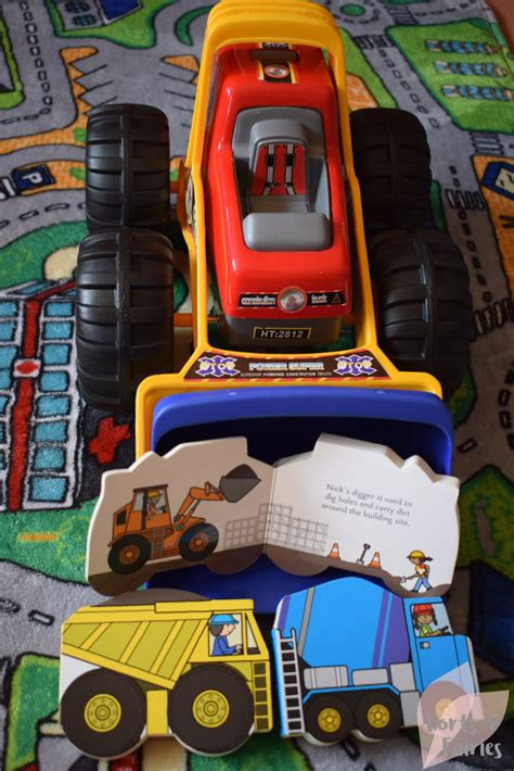 Playtown Construction playtown construction vehicle set reviewed on forts and
