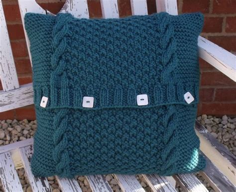 easy knit cushion cover knitting pattern easy knit chunky cushion cover cable
