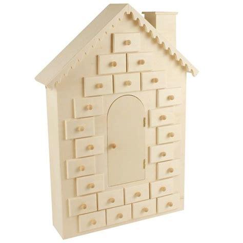 Calendrier De L Avent En Bois A Decorer calendrier de l avent 224 d 233 corer maison en bois 42cm