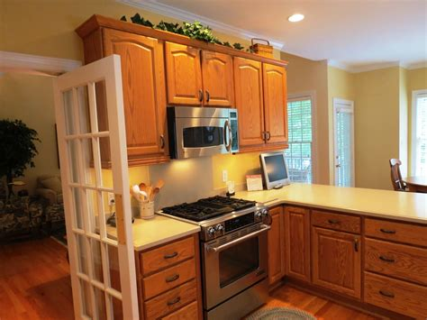 Honey Oak Kitchen Cabinets Wall Color by Wall Color For Kitchen With Honey Oak Cabinets Angel