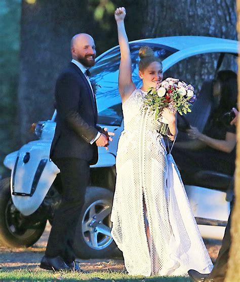 erika christensen wedding dress erika christensen cole maness share wedding photo see