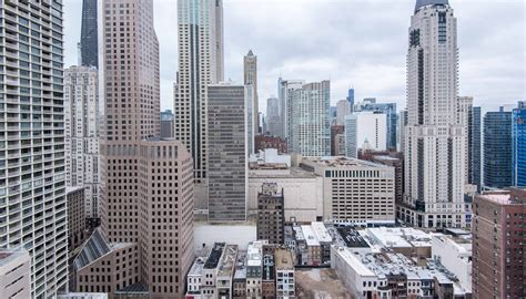 gold coast appartments gold coast luxury apartments luxury living chicago