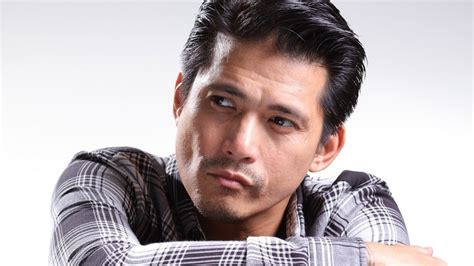 barbers cut style philippines pro tip guys go to robin padilla s barber esquire ph