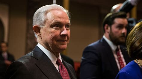 jeff sessions nytimes jeff sessions resists pressure to remove himself in russia