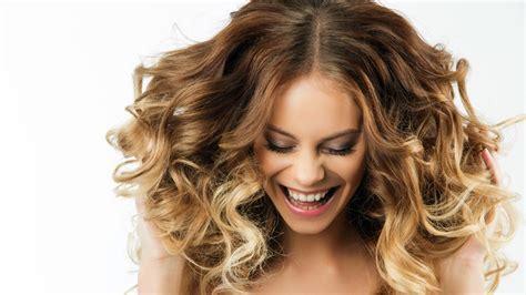 cara catok rambut sendiri 10 tips cara merawat rambut di rumah harian gadis