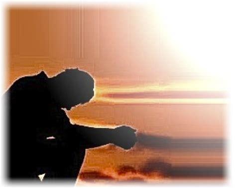 imagenes de un hombre orando a dios los 3 mayores enemigos de un cristiano blog de helio colombe