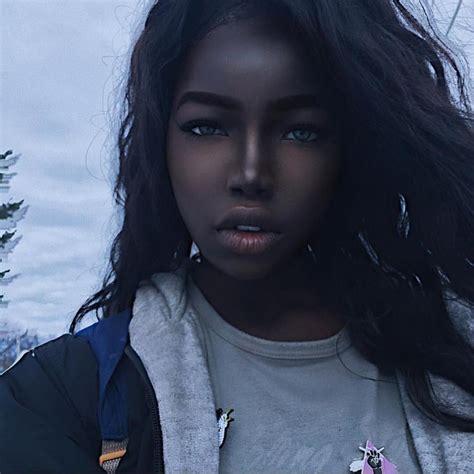 film avec barbie qui devient humaine on l appelle la 171 barbie noire 187 et sa beaut 233
