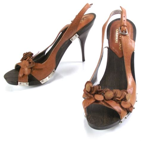 Heels Valentino Import 37 valentino wooden heels 37 14790