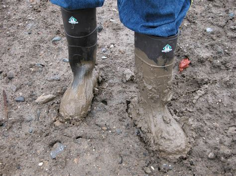 In Mud file 2003 11 27 northerner boots in mud jpg wikimedia commons