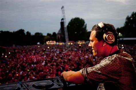 dj tiesto feel it in my bones dj tiesto feel it in my bones lyrics metrolyrics