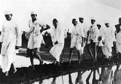 Era Sinistra The Shadow l arresto di gandhi il 9 agosto 1942 corriere it