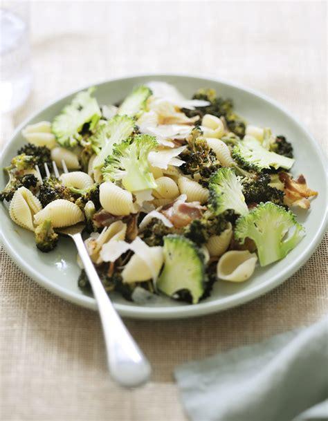 brocolis cuisine p 226 tes aux brocolis crus cuits pour 4 personnes recettes