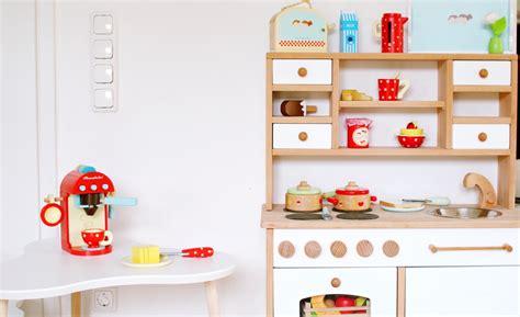 Balkonbeläge Aus Holz by Kinderk 252 Che Zubeh 246 R Aus Holz Die Geschenkidee Werbung