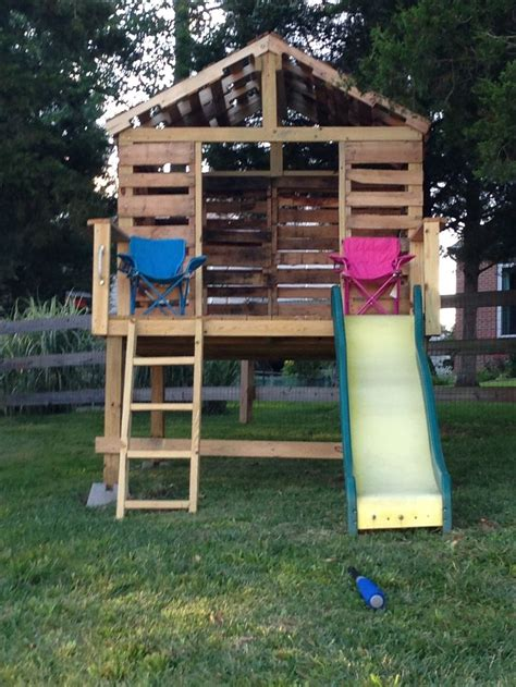 backyard clubhouse kids pallet clubhouse completed pinterest projects