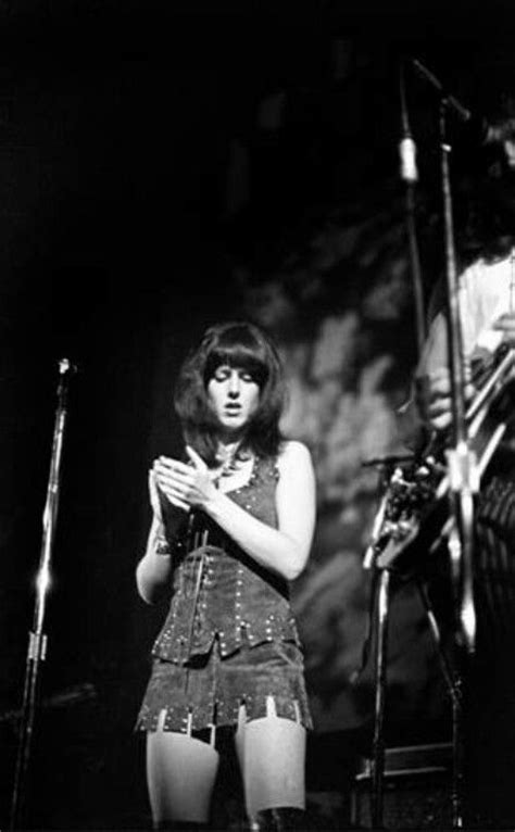12 Hottest Moments Of Grace Slick (Warning: It's SCORCHING